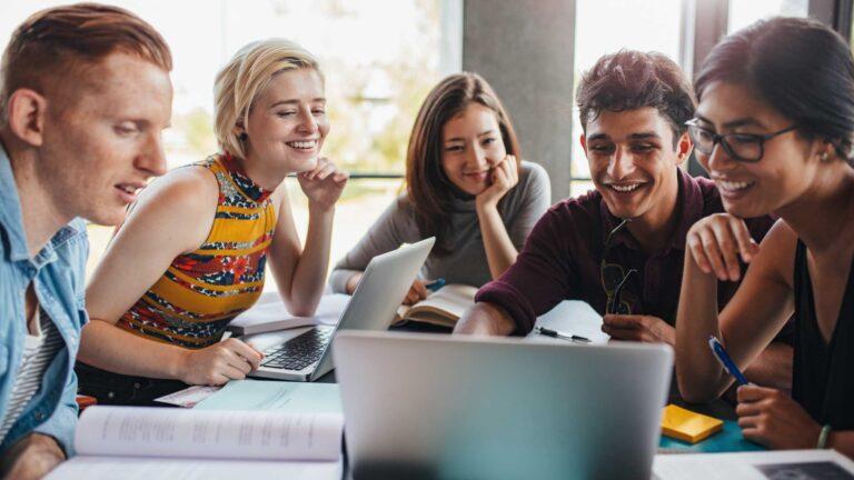 Cómo ganar dinero online siendo estudiante